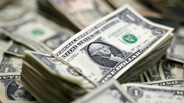 فاصله نرخ خرید و فروش دلار افزایش یافت
