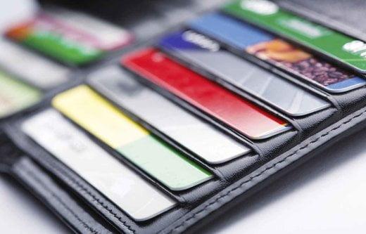 تمدید رایگان کارتهای بانکی منقضی شده تا یکسال