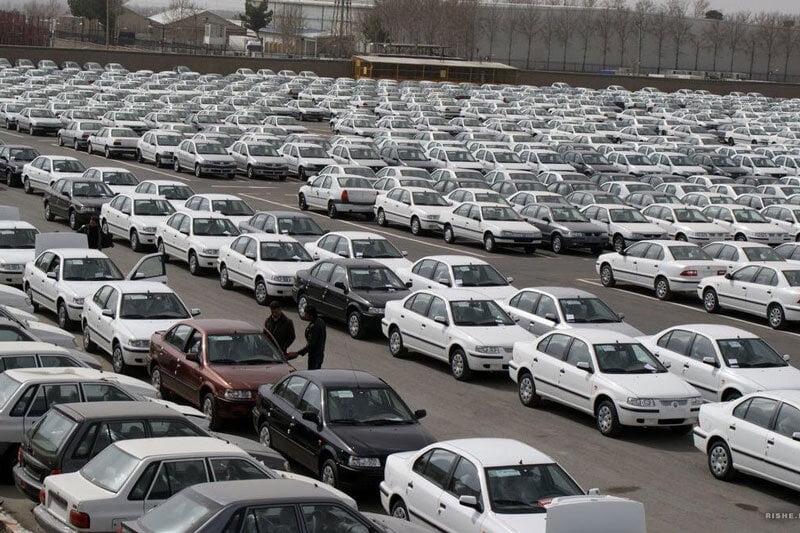 آخرین نرخ خودرو / نوسان شدید قیمت ها در بازار